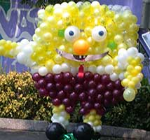 Sponge Bob balloon sculpture creation