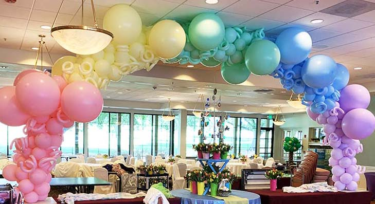 Balloons, bouquets and creative event decorations for the